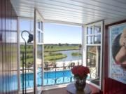 Voorbeeld afbeelding van Bed and Breakfast B&B Guesthouse Ensenada in Schoondijke